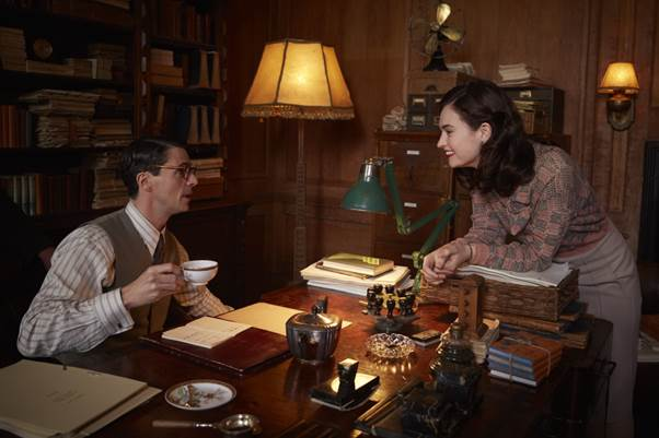 THE GUERNSEY LITERARY AND POTATO PEEL PIE SOCIETY CLIP